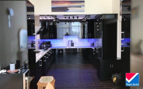 Kitchen In Black